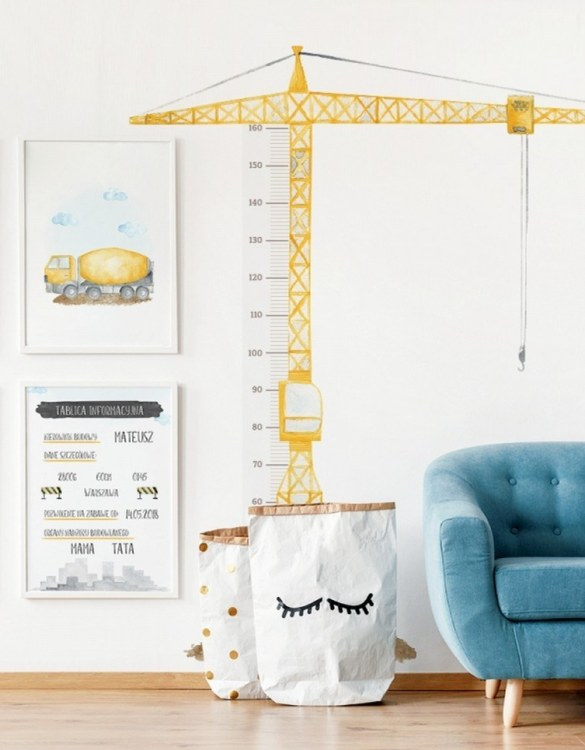 A real eye-catcher in every child's room, the Crane Child Growth Chart is the perfect way to follow your child's development and growth. Bright and colourful, this height chart wall sticker will look good in nurseries, bedrooms, or playrooms.