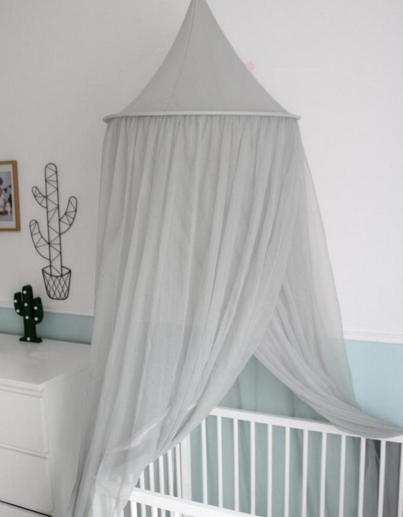 In cosy, airy interior with plenty of child's fantasies, the Gray Flowing Children's Bed Canopy is ideal for hanging over bed, cot or creating a special play corner in your home.