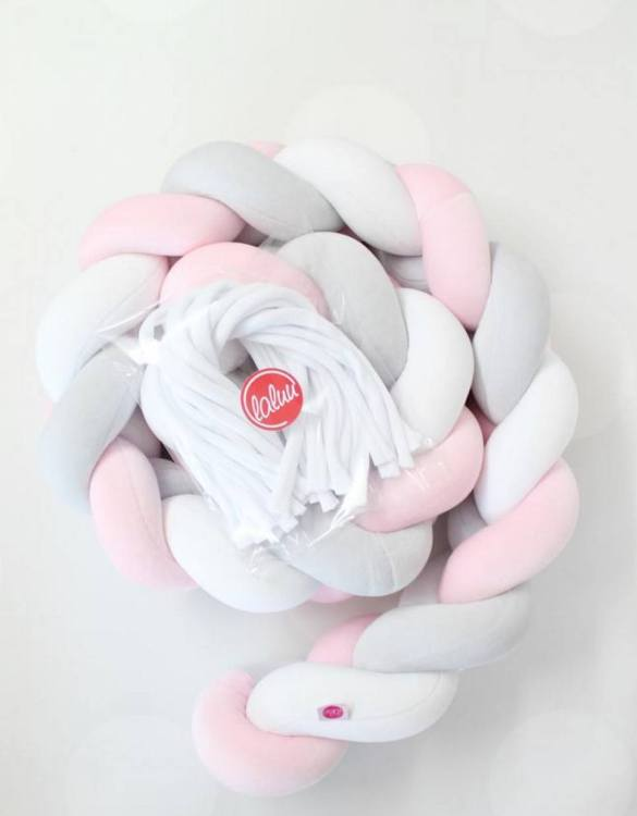 Safe for newborns and babies, the White, Pink and Grey Braided Crib Protector protects against impacts and at the same time creates a modern and exclusive decoration. The braid is ideal for a baby crib and toddler's bed.
