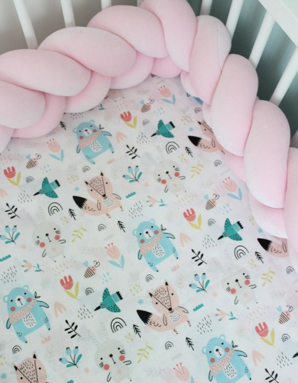 Perfect as a gender-neutral choice, the Teddy Bears Girl Fitted Crib Sheet will fit any crib bed or next to me pods. This fitted cot sheet is a perfect addition to spruce up your little bub's nursery.