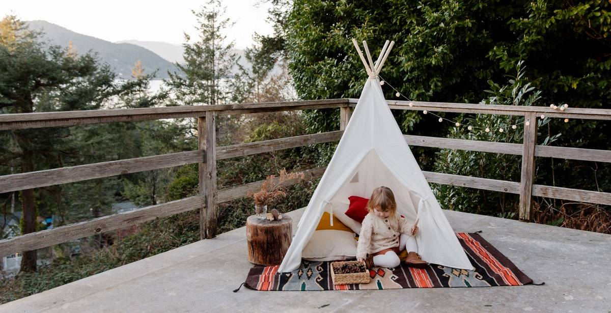 As you probably know, teepees are extremely popular among children. Whether it be to play inside or outside, they are terrific in so many ways.