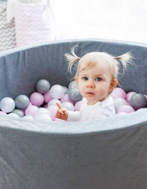 Cheerful colors and the promise of great fun, the Gray Ball Pit for Kids will protect your children from any signs of boredom. A modern children's dry pool measuring 90x40 cm with 200 colored balls will entertain your children for hours.