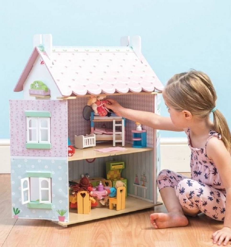 Sweetheart Cottage Wooden Dolls House
