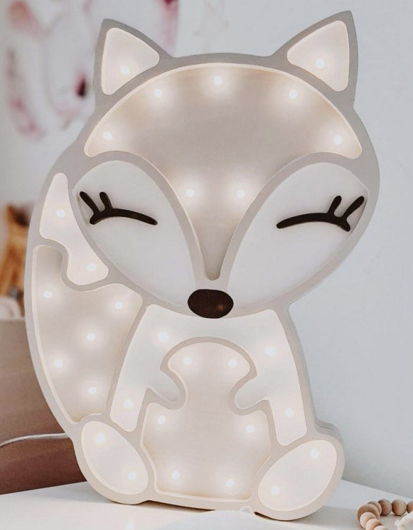A must-have element of the decor of a child's room, the Fox Wooden Lamp for Children will soon become your child's favourite part of their bedtime routine and will help make their bedroom feel extra safe and cosy.