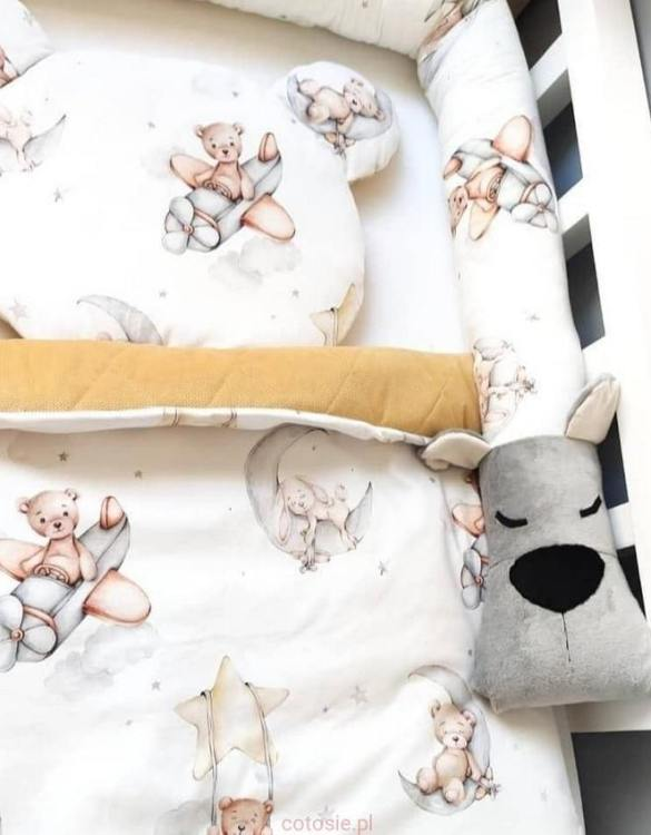 Highly practical and gorgeous looking cot bedding, the Bear Games Cot Bumper is perfect to welcome a new baby at home! It is not only a protection but also a soft friend who will make sure that the child does not feel lonely during sleep.
