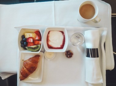 Cathay Pacific CX134 business breakfast