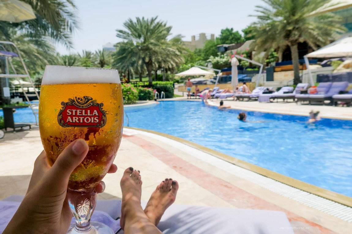 beer-dubai-pool