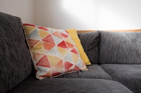 bright-big4-luxury-villa-pillows