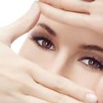 6 Cara Mudah Menghilangkan Kerut & Keriput di Sekitar Mata