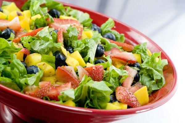 salad buah dan sayuran