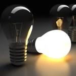 Apakah cahaya memiliki kecepatan sama pada semua medium?