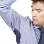 4 Tips Membersihkan Noda Deodoran pada Pakaian dengan Cuka