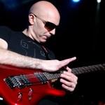 Siapakah Joe Satriani? Kisah Salah Satu Gitaris Rock Terbaik