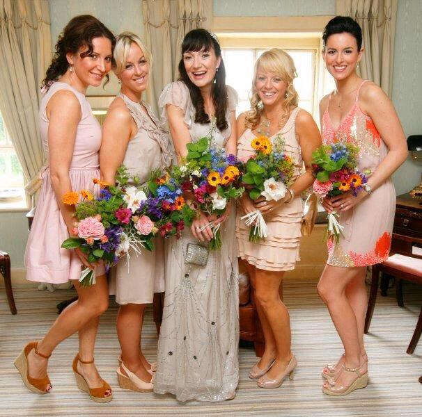 Wedding Group Girls