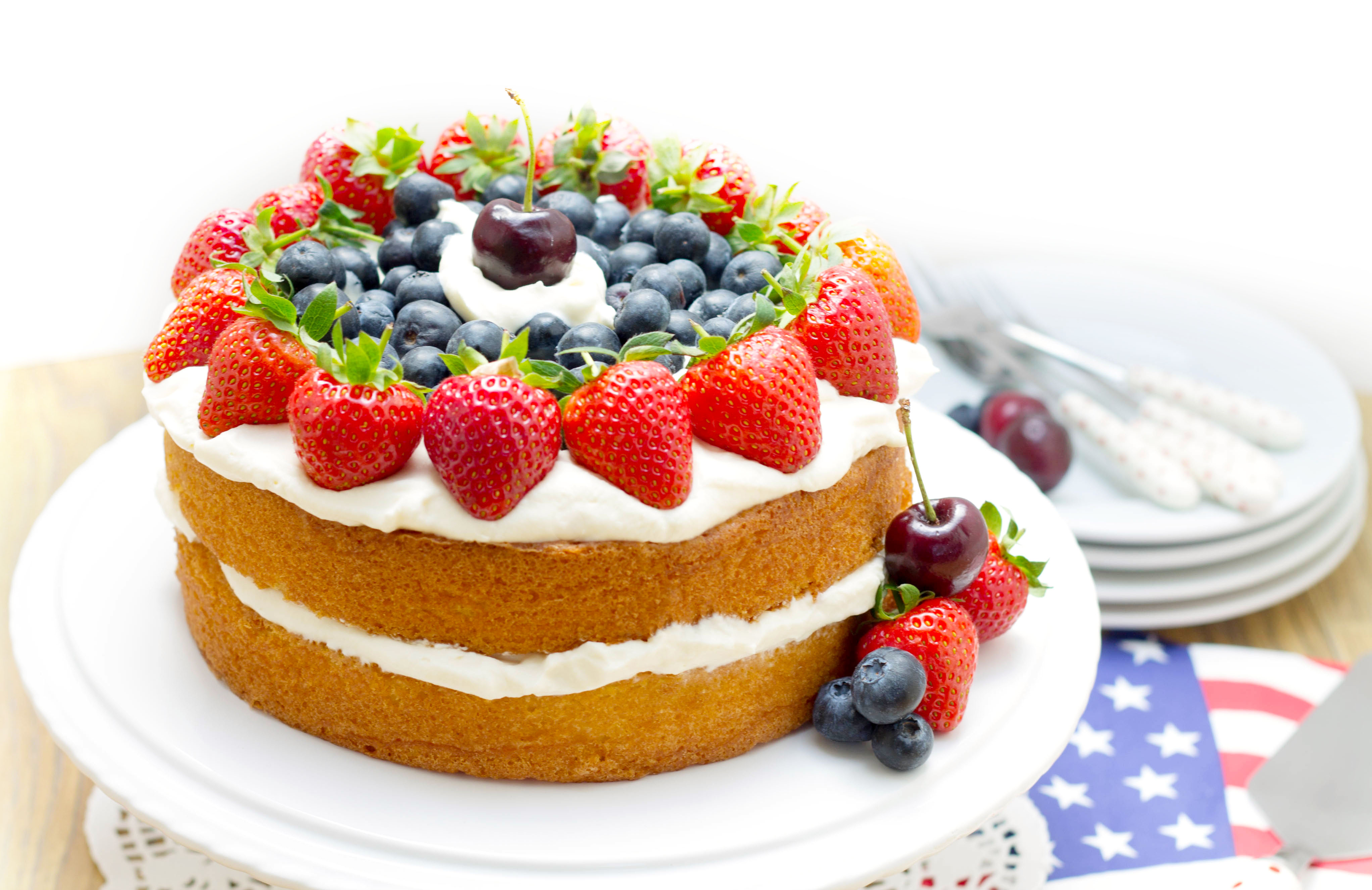 Top 15 Super Enticing And Colorful Fruit Cakes