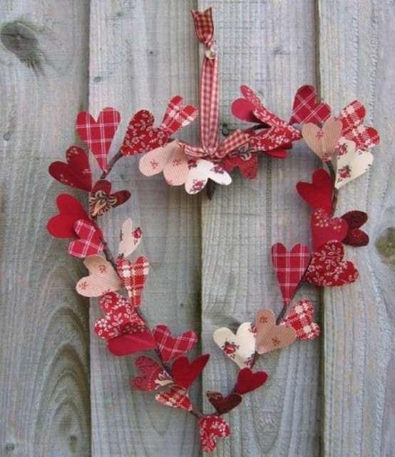 15 Romantic DIY Valentines Day Wreath Ideas