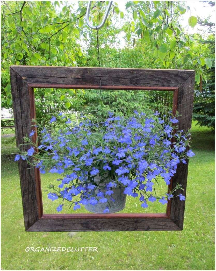 Let Your Planters Swing and Enjoy in Hanging Holders on Hanging Plants Ideas  id=90190
