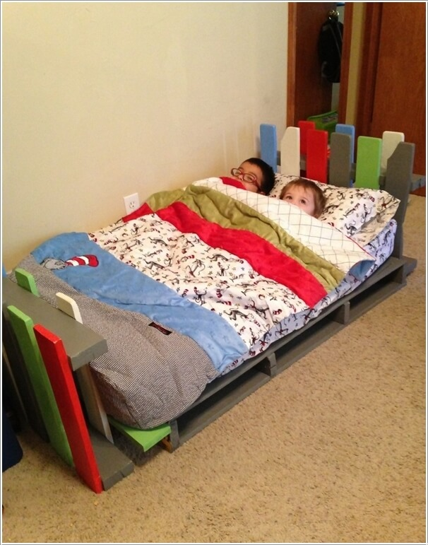 5 Cool DIY Pallet Furniture Ideas for Your Kids' Room on Pallet Bed Room  id=78780