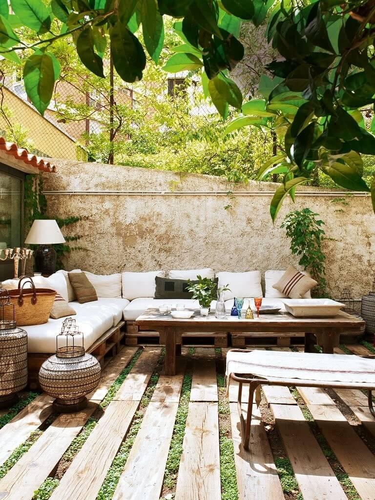 15 Cool Backyard Flooring Ideas on Cool Backyard Decorations id=94750