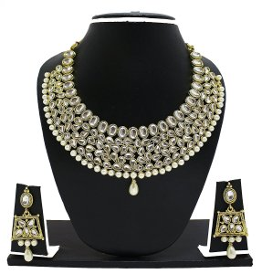 Zaveri Pearls Kundan Necklace Set