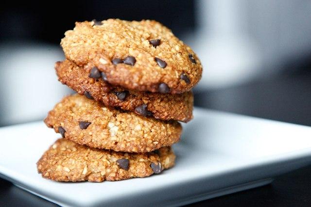 29 Paleo Treat Recipes- Chocolate Chip and Macadamia Nut Cookies