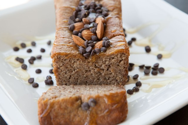 Mini-Banana-Breads-with-Chocolate-Chips-and-Honey-3