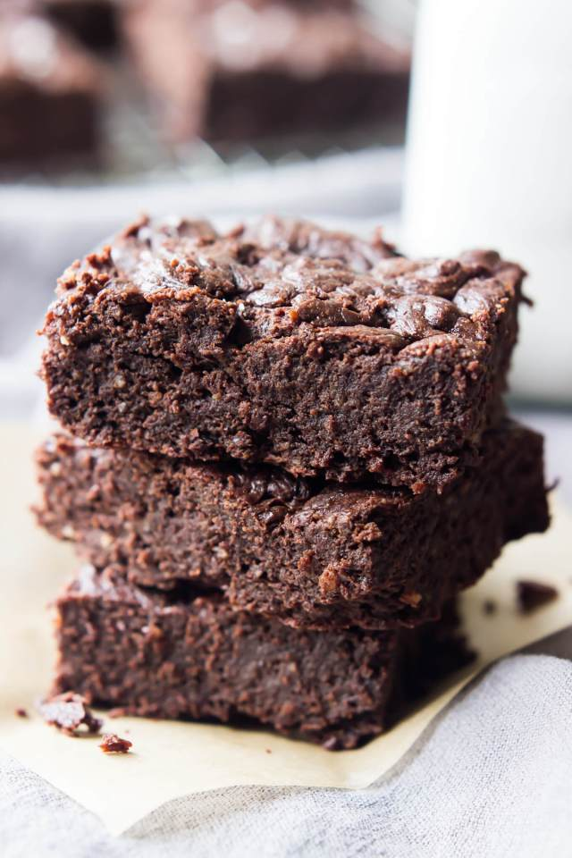 DECADENT PALEO BROWNIES