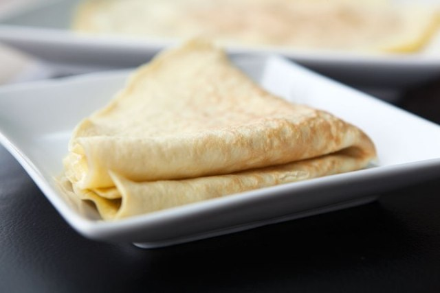 HOW TO MAKE PALEO CREPES