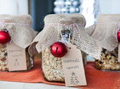 How To Make Granola Jars for Christmas