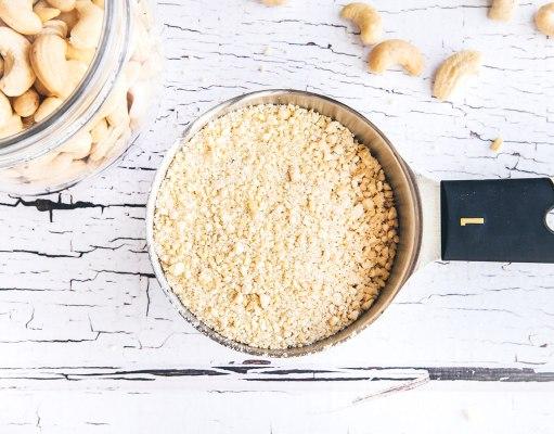 How-to: Make Homemade Cashew Flour