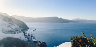 Mariel's Santorini Guide