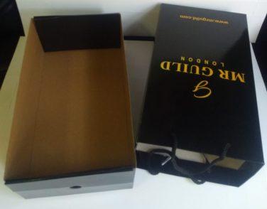 Ayakkabı kutusu ve karton çanta