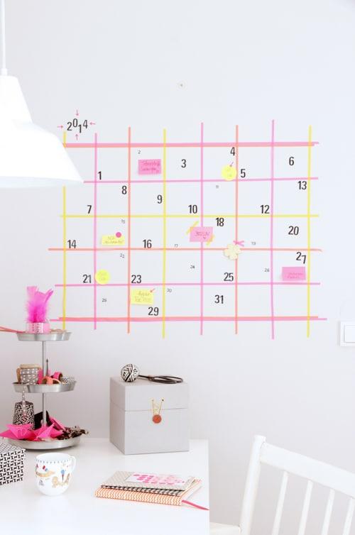 washi tape calendar from http://www.ohhhmhhh.de/ein-wandkalender-aus-masking-tape-aber-erstmal-hello-again-frohes-neues-jahr/