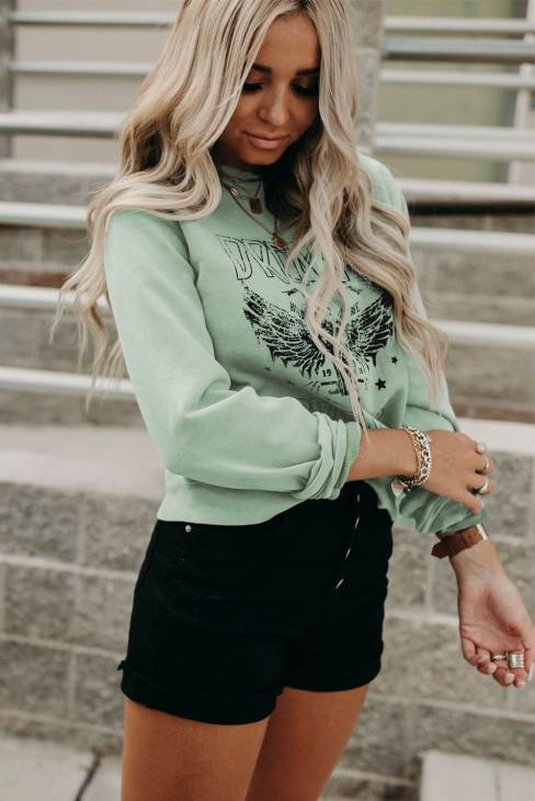 Riva Women Dream on Dreamer Graphic Print Pullover Sweatshirt