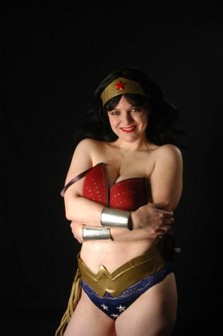 Wonder Woman cosplay deviants sample
