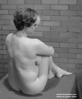 Photo by Zoltan Sisko 2012 (seated long pose)