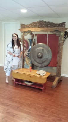 romy yoga immersion training Mary with gong