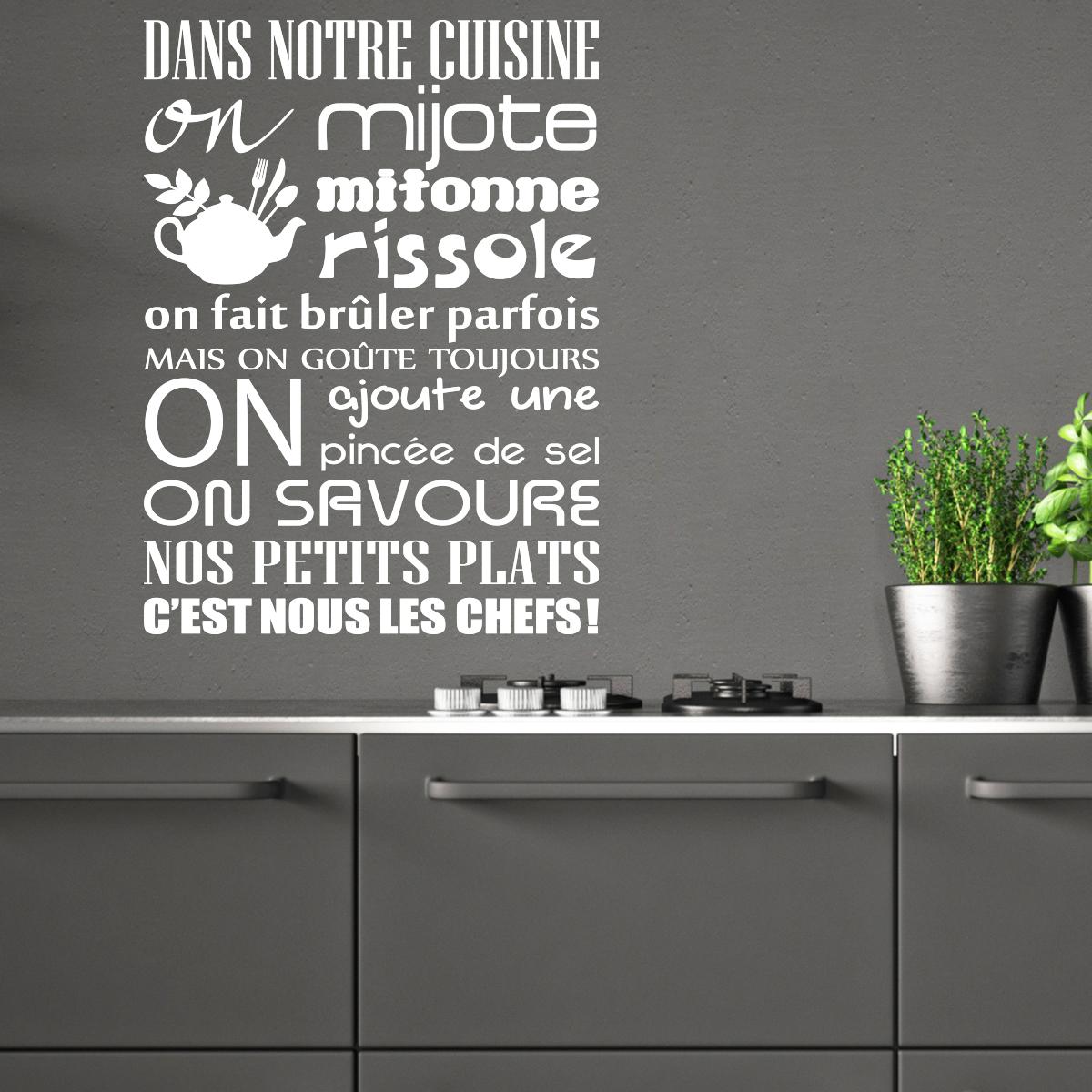 Sticker Citation Dans Notre Cuisine On Mijote