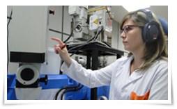 Photo of Vinílicos antideslizantes aún en condiciones de humedad, desarrollo de AIMPLAS.