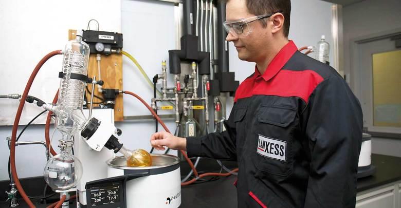 Photo of Lanxess presenta un aditivo orgánico para lubricantes y aceites de motor