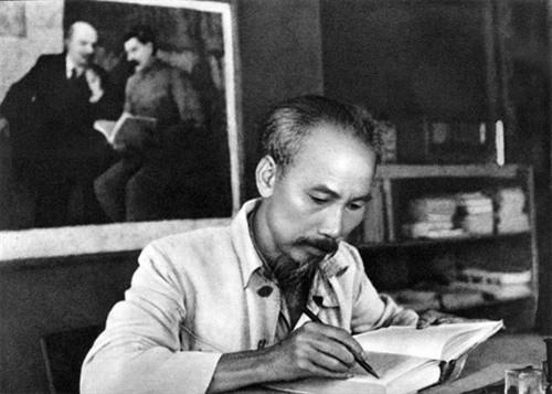 Tan Nguyen Cua Trung Ho Con Chi Minh