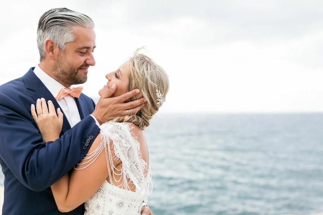 Brautpaar Hochzeit am Strand in Spanien, Freie Trauung