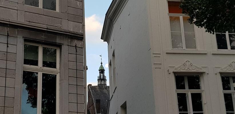 Maastricht tijdens een wandeling op het Maaspad van Maastricht naar Berg aan de Maas