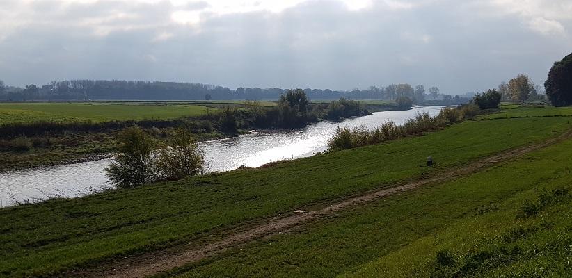 De Maas op een wandeling over het Maaspad van Maastricht naar Berg aan de Maas