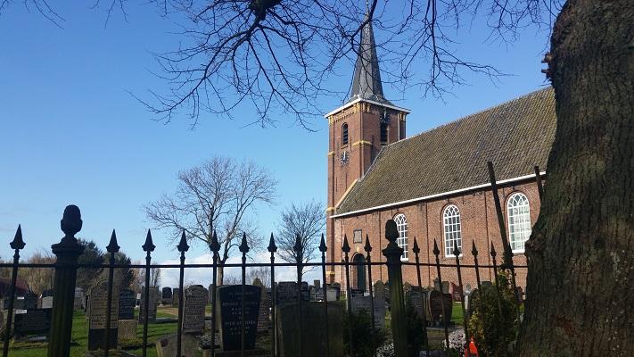 Kerk Lekkumop wandeling over Elfstedenpad van Oentsjerk naar Leeuwarden