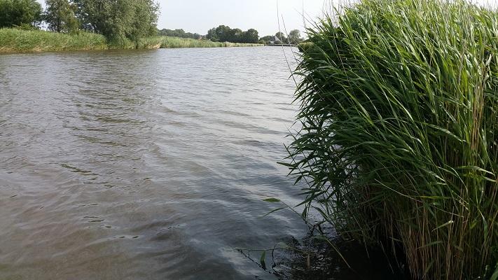 Wandelen over het Groot Frieslandpad langs het Kanaal Alkmaar-Kolhorn
