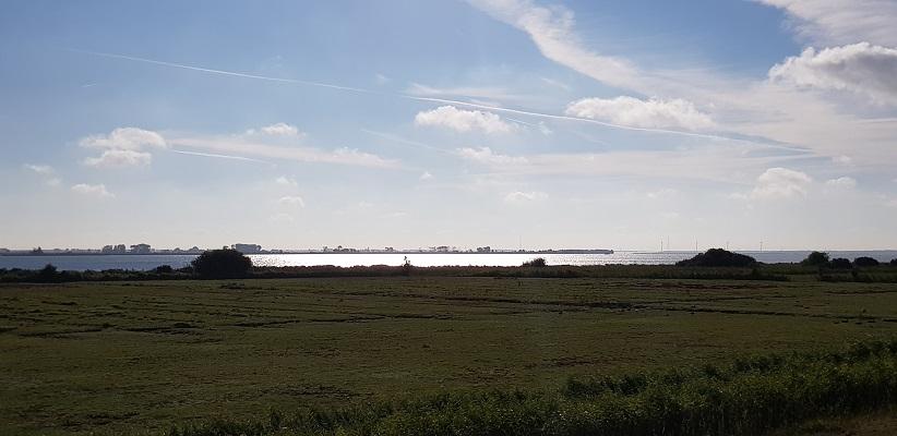 Haringvlieet en Tiengemeten op een wandeling over het Maaspadvan Stad aan 't Haringvliet naar Willemstad