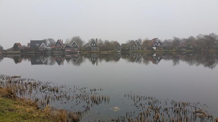 Noordeinde tijdens wandeling van Schermerhorn naar Krommenie over het Noord-Hollandpad