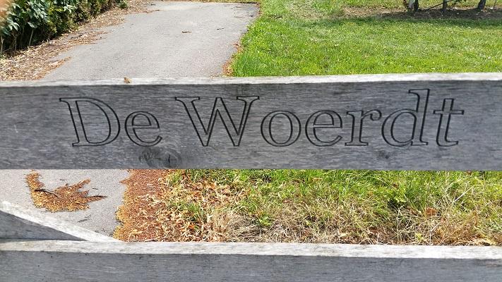 Wandelen in Park Lingezegen over Lingewaardpad bij de Woerdt in Ressen