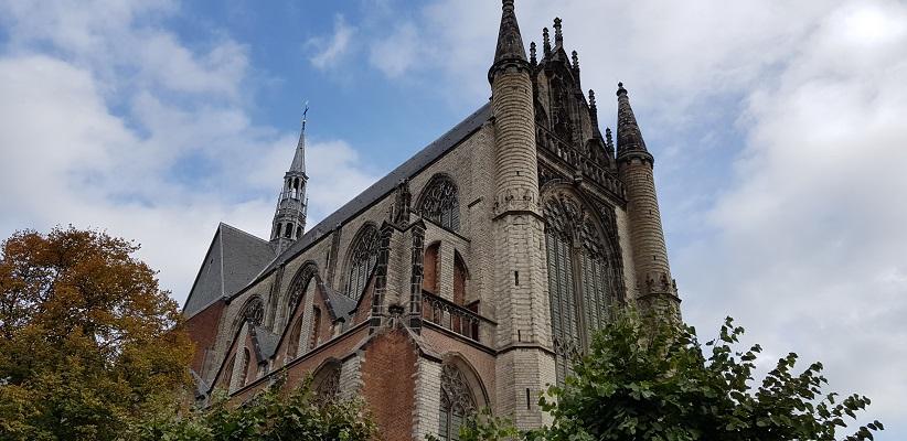 Wandelen over het Romeinse Limespad bij de Hooglandse Kerk in Leiden